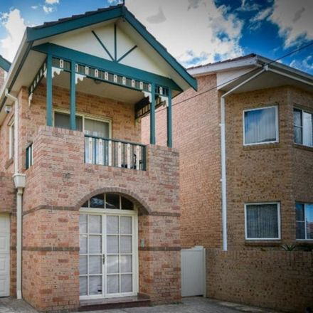 Rent this 3 bed duplex on 106A River Street
