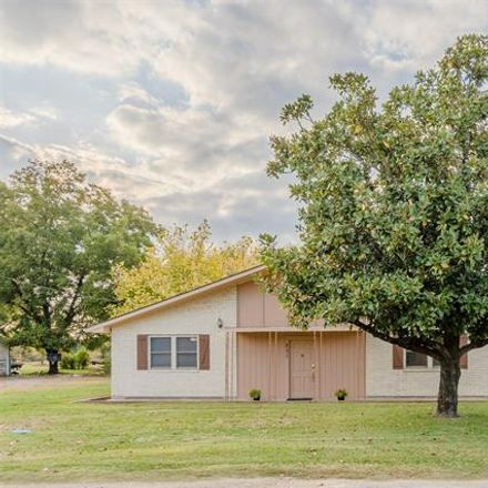 Rent this 3 bed house on 251 Avenue C in Longview, TX 75604