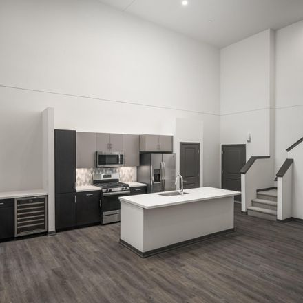 Rent this 2 bed loft on E Playa del Norte Dr in Tempe, AZ