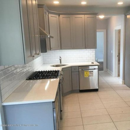 Rent this 3 bed apartment on 634 Jewett Avenue in New York, NY 10314