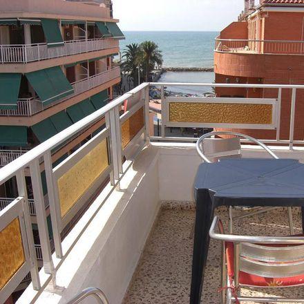 Rent this 3 bed apartment on Sex Shop Eros in Avenida de la Purísima, 31