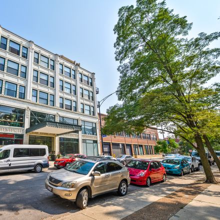 Rent this 2 bed condo on 4715 North Racine Avenue in Chicago, IL 60640