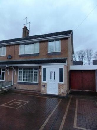 Rent this 3 bed house on Bollingale Avenue in Oakengates TF2 6HX, United Kingdom