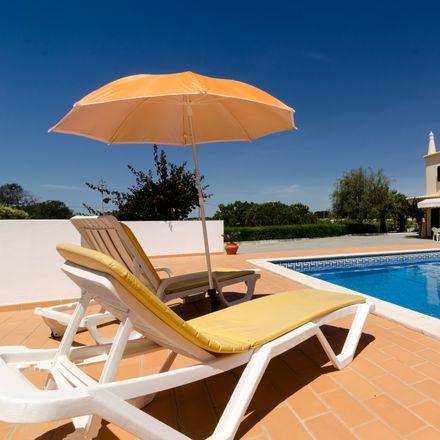 Rent this 4 bed house on 8400-407 Lagoa e Carvoeiro