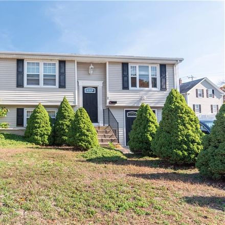 Rent this 3 bed house on 11 Newlight Street in West Warwick, RI 02893