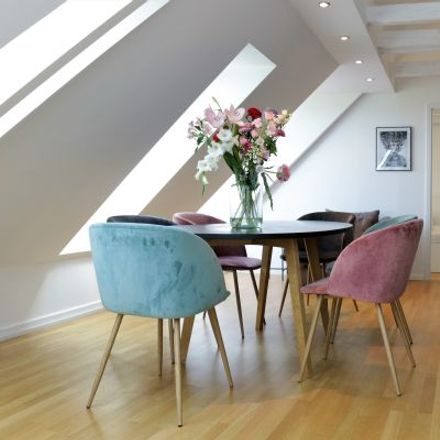 Rent this 4 bed apartment on Holstenwall 10 in 20355 Hamburg, Germany