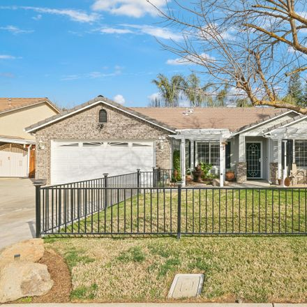 Rent this 3 bed house on 702 West Kimball Avenue in Visalia, CA 93277