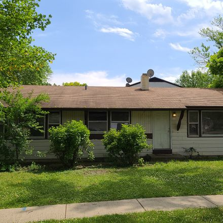 Rent this 4 bed house on 1401 Windsor Circle in Carpentersville, IL 60110