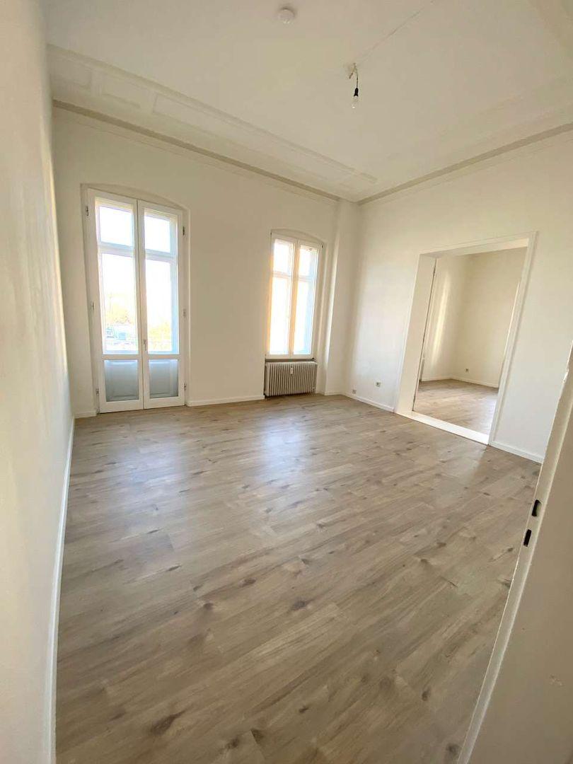 Blondine Zieht Ins Apartment