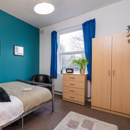 Rent this 7 bed room on 48 Albany Road in Coventry CV5 6ND, United Kingdom
