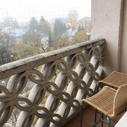 Rent this 5 bed room on aleja Niepodległości 133 in 00-401 Warszawa, Polonia