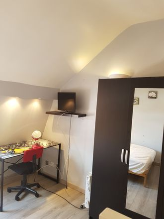 Rent this 5 bed room on Rue d'Isly in 59100 Roubaix, France