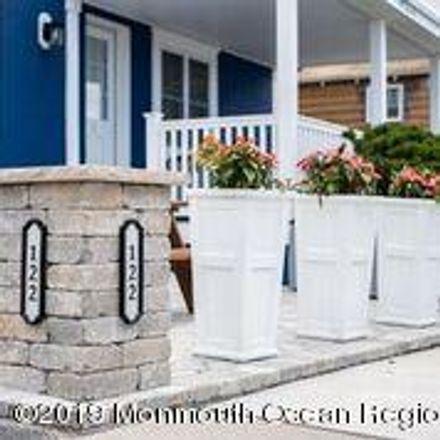 Rent this 3 bed duplex on 122 Ocean Avenue in Point Pleasant Beach, NJ 08742