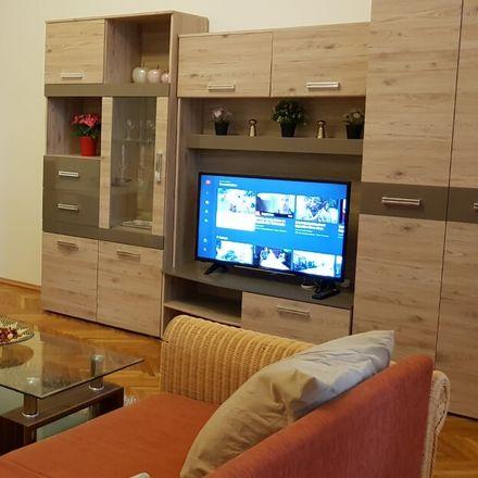 Rent this 2 bed apartment on Budapest in Radnóti Miklós u., Magyarország