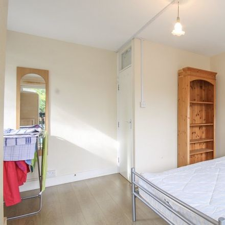 Rent this 3 bed apartment on Maidstone House in Carmen Street, London E14 6AU