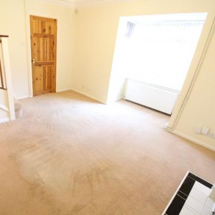 Rent this 2 bed house on Kelling Close in Luton LU2 7ET, United Kingdom
