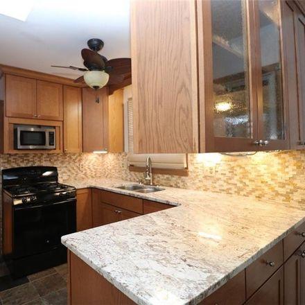 Rent this 3 bed house on Edinburgh Dr in Virginia Beach, VA