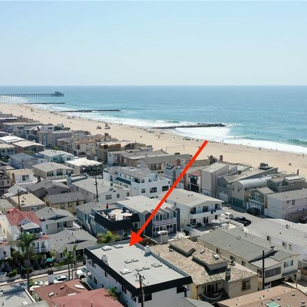 Rent this 5 bed townhouse on 119 40th Street in Newport Beach, CA 92663