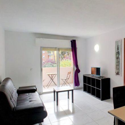Rent this 4 bed apartment on Calle de Hernán Cortés in 28802 Alcalá de Henares, Spain