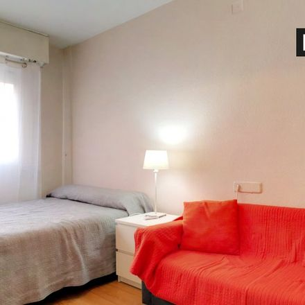 Rent this 0 bed apartment on Intermon Oxfam in Calle de Alberto Aguilera, 28001 Madrid