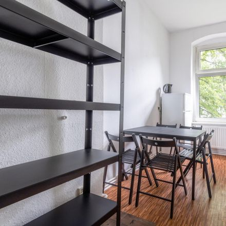 Rent this 5 bed room on Damerowstraße 48 in 13187 Berlin, Germany