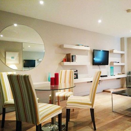 Rent this 3 bed apartment on Hackett Reprographics in 17 Baggot Street Lower, Dublin