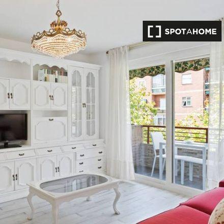 Rent this 3 bed apartment on Mercadona in Calle Villa de Arbancón, 28001 Madrid