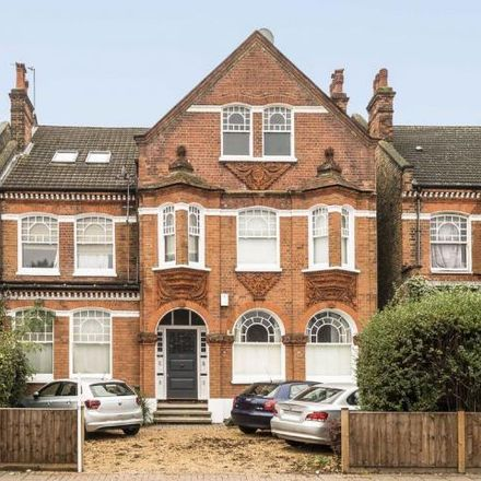 Rent this 3 bed apartment on 188 Bedford Hill in London SW12, United Kingdom