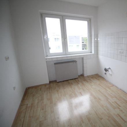 Rent this 3 bed apartment on Wiesbadener Straße 8 in 47138 Duisburg, Germany