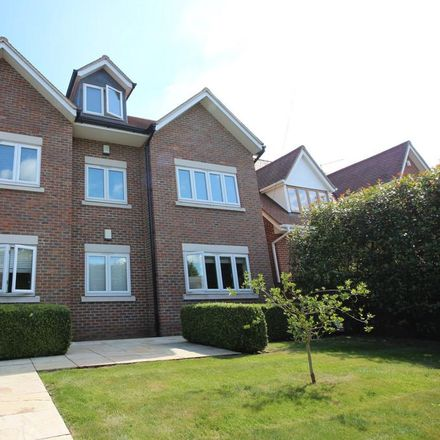 Rent this 2 bed house on Nazeing New Road in Epping Forest EN10 6SS, United Kingdom