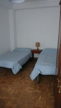 Rent this 1 bed room on Calle Naciones in 28001 Madrid, Spain