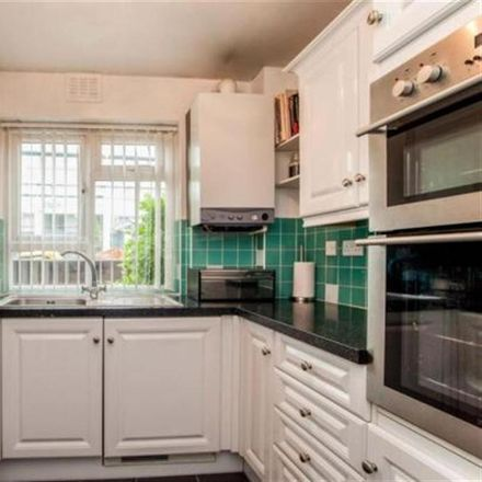 Rent this 2 bed apartment on Courtlands in Maidenhead SL6 2PU, United Kingdom