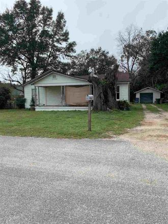 Rent this 3 bed house on W Michigan Ave in Pensacola, FL
