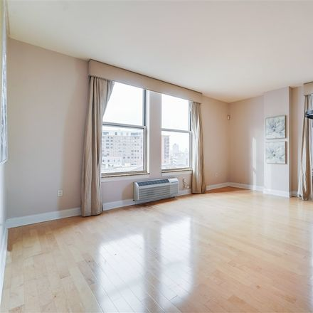 Rent this 2 bed condo on Regent St in Jersey City, NJ
