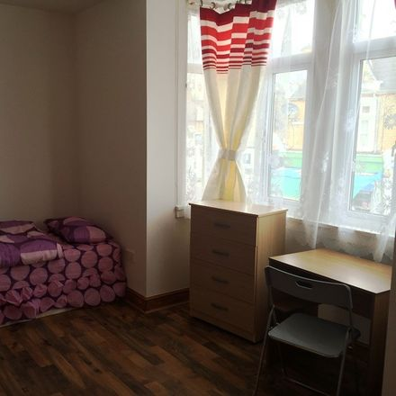Rent this 5 bed room on Newport School in Francis Road, London E10