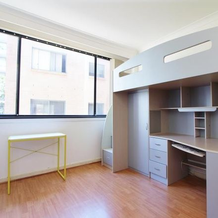Rent this 1 bed apartment on 5/3 Waverley Crescent