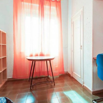 Rent this 15 bed room on Calle Conde de Robledo in Córdoba, España