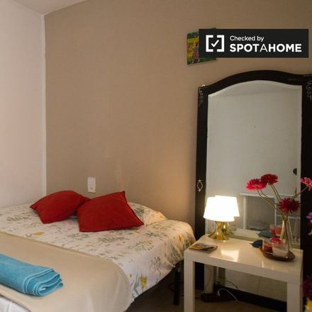 Rent this 4 bed apartment on Carrer de l'Hospital in 76, 08001 Barcelona