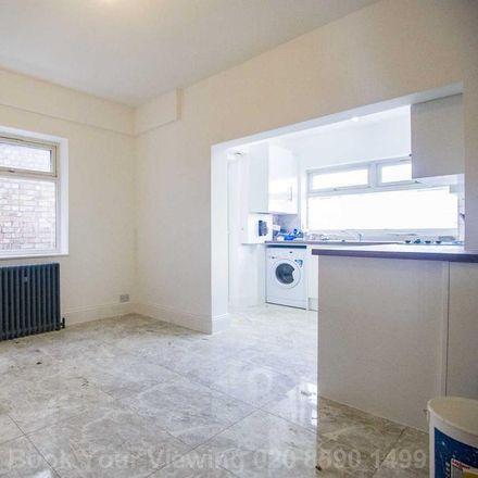 Rent this 3 bed apartment on Lea Bridge Road in 433, London E10 7LA