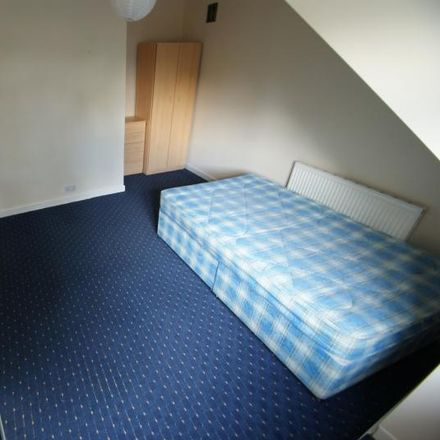 Rent this 4 bed house on Autumn Terrace in Leeds LS6 1RN, United Kingdom