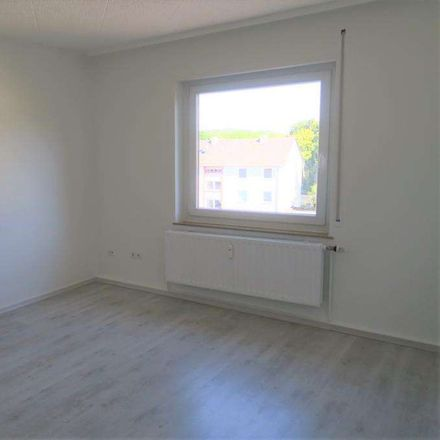 Rent this 4 bed apartment on Slevogtstraße 36 in 67659 Kaiserslautern, Germany