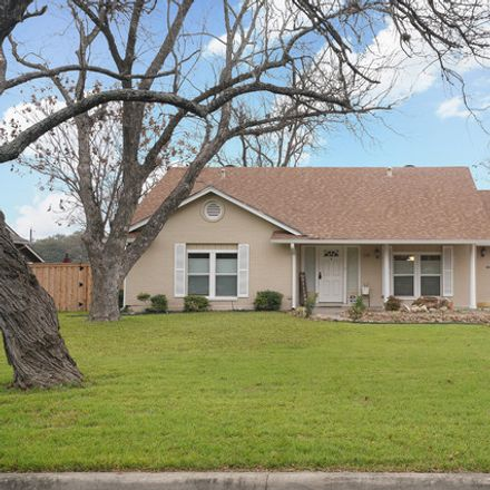Rent this 3 bed house on S Gardenview Dr in San Antonio, TX