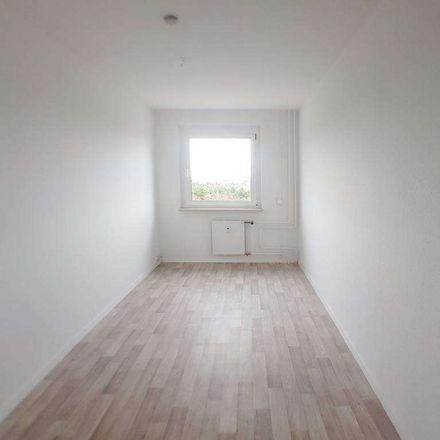Rent this 3 bed apartment on Alfred-Haude-Straße 15 in 17034 Neubrandenburg, Germany