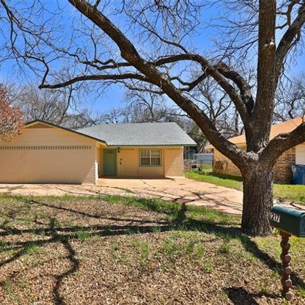 Rent this 3 bed house on 217 Bowie Street in Clyde, TX 79510
