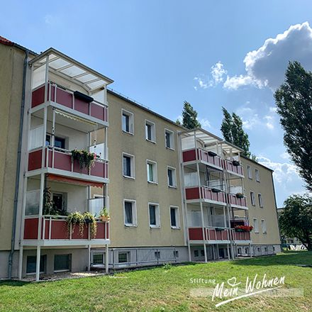 Rent this 4 bed apartment on Am Dreieck 42 in 04552 Borna, Germany