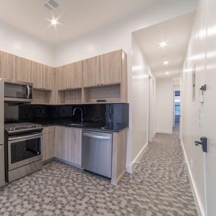 Rent this 3 bed apartment on 527 Dean Street in New York, NY 11217