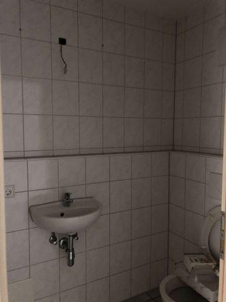 Rent this 5 bed apartment on Kfz Zulassung Kreis Reutlingen in Bismarckstraße 47, 72764 Reutlingen