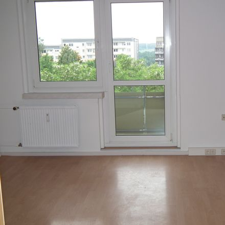 Rent this 3 bed apartment on Ottendorfer Hang 40 in 09661 Hainichen, Germany