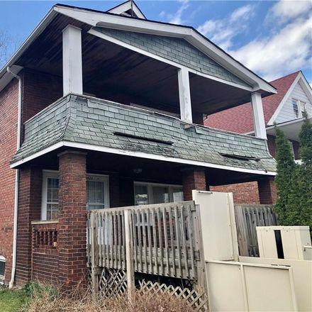 Rent this 4 bed duplex on 1426 East 175th Street in Cleveland, OH 44110