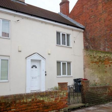 Rent this 2 bed house on W.A.Clarke Footwear in 106-108 High Street, Barton-upon-Humber DN18 5PU